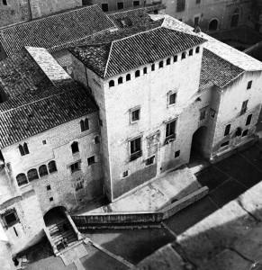Josep Buil Mayral  (1920-2005) | El Palau Episcopal vist de del Campanar de la Catedral | 1967 | Ajuntament de Girona: CRDI