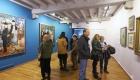 Visitants a l'exposició Sacharoff