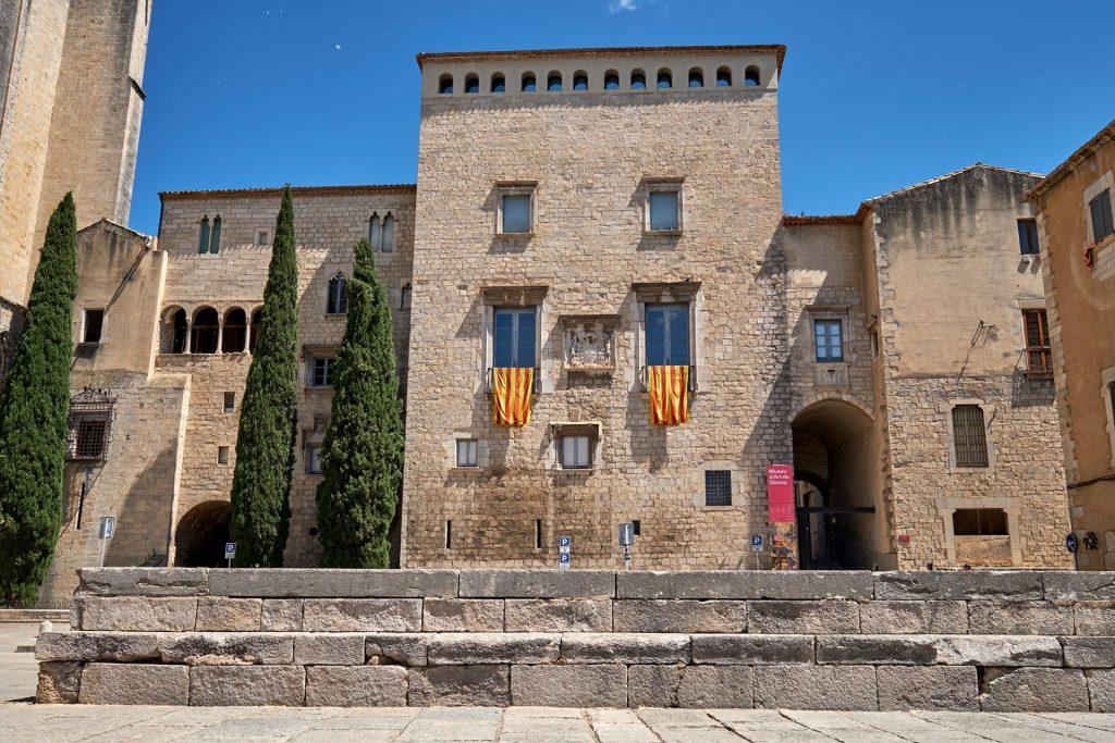 façana palau episcopal